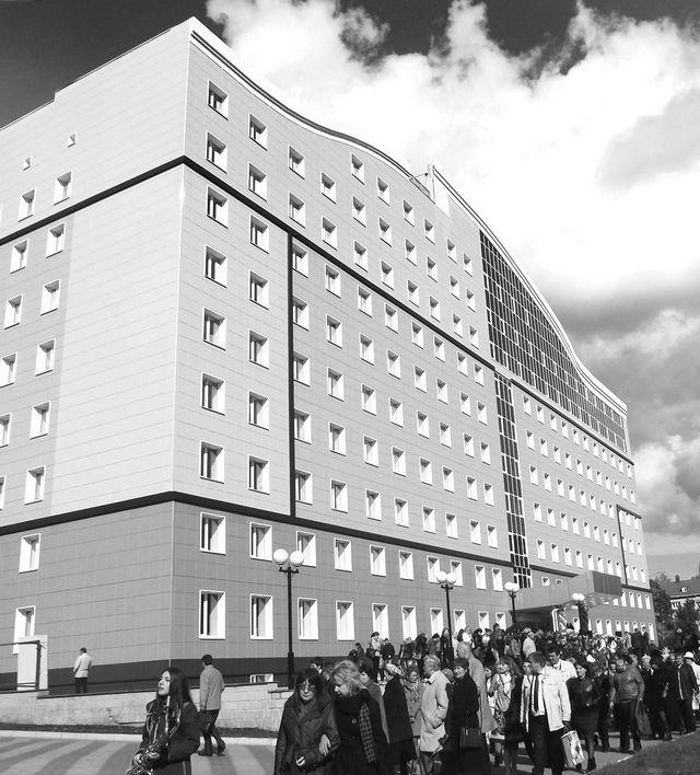 Дар – памятник и общежитие