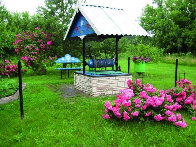 Радует взор цветочный ковёр